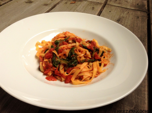 Vapiano Pasta mit frischen Spinatblätter