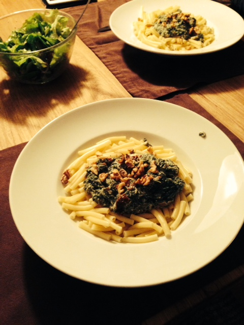 Spinat und Ricotta mit Walnüssen
