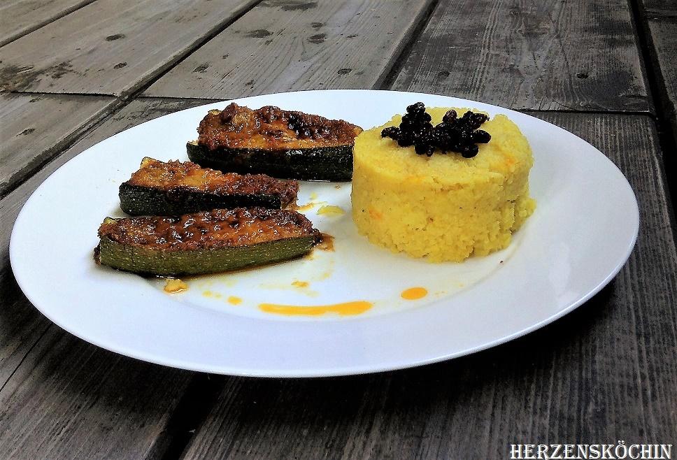 Ueberbackene Zucchini mit Safran-Reis