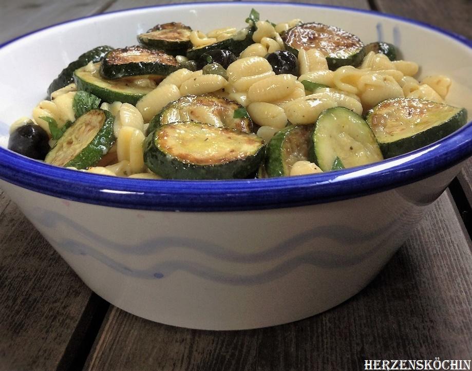 Zucchini Nudelsalat