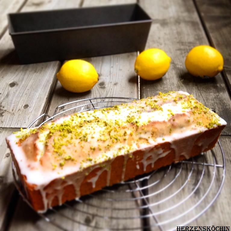 Zitronenkuchen mit Pistazien