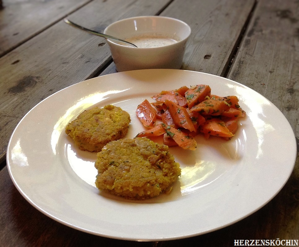 Vegane gelbe Linsenbratlinge - Foodblog Herzensköchin