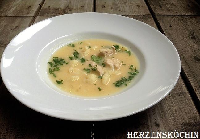 Haehnchen-Zitronen-Suppe und Koriander