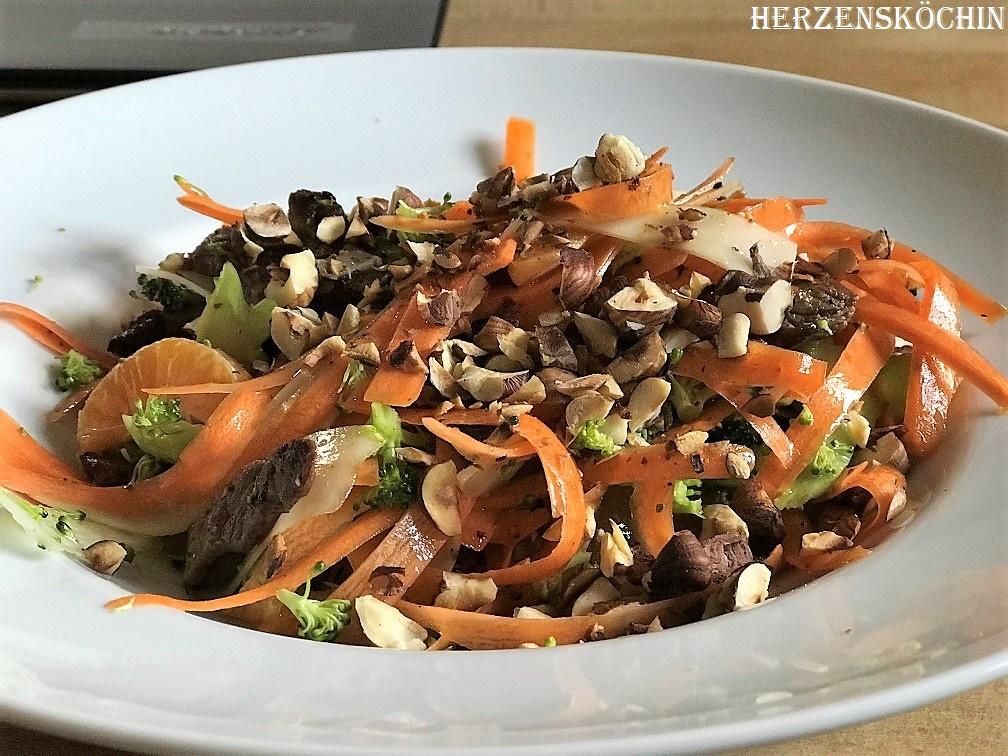 Brokkoli Salat mit Rinderstreifen 1
