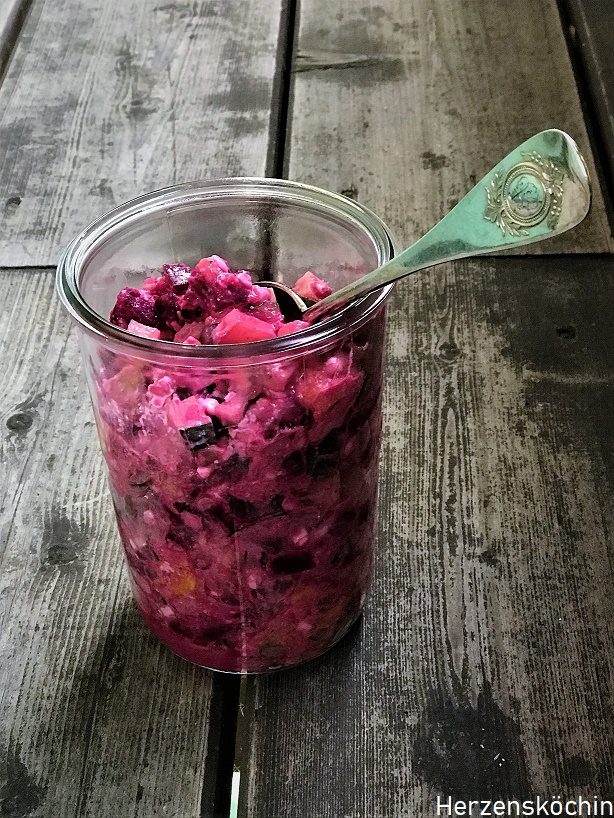 Rote Beete Räucherfisch Salat