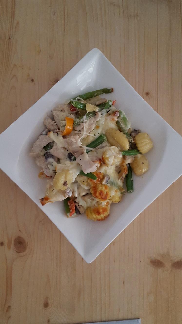 Hähnchen-Gnocchi-Gemüse-Auflauf