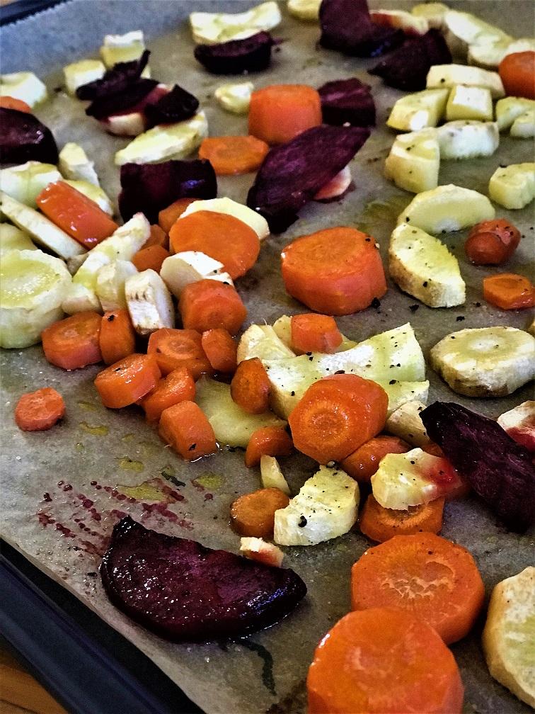 Blechgemüse mit Rote Beete Pastinaken und Möhre